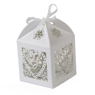 100 x White Love Heart Laser Cut Wedding Favour Boxes Bomboniere Candy Bags
